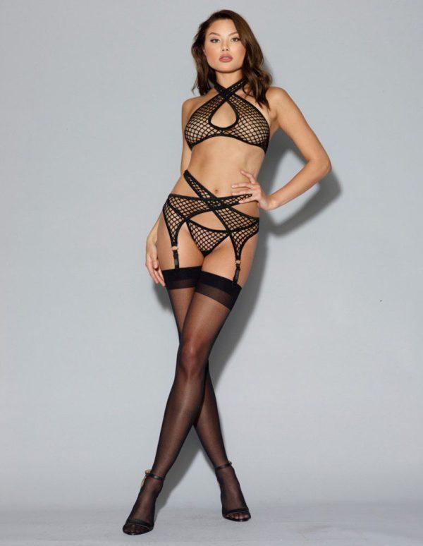 ensemble-lingerie-noir-resille-filet-soutien-gorge-porte-jarretelles-et-string